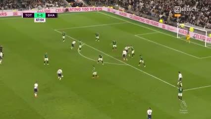 Eriksen le dio la victoria al Tottenham sobre la hora