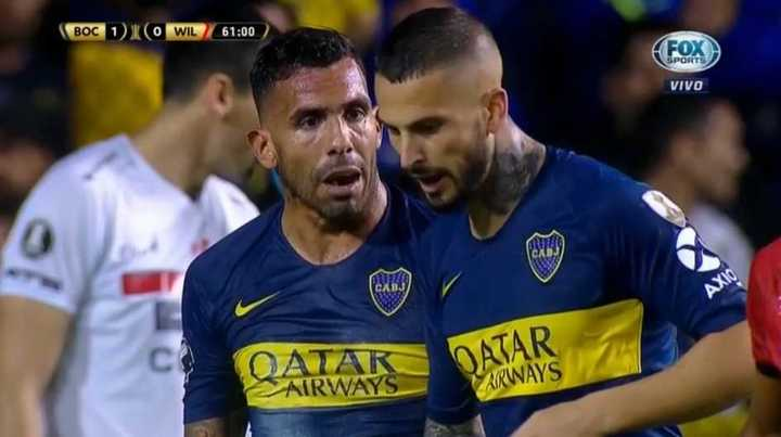 Carlitos alentó a Benedetto para que pateara el penal