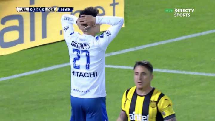 Palo y palo en el comienzo de Vélez y Peñarol