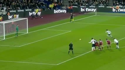 Liverpool se puso en ventaja con gol de Mohamed Salah