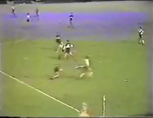Así la rompió Maradona en el 3-0 a River en el 81