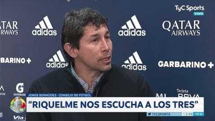 """""""Riquelme nos hace jugar a los tres"""""""