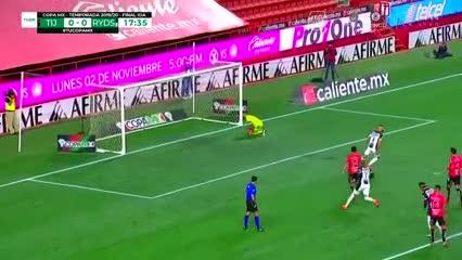 Gol de Nico Sánchez