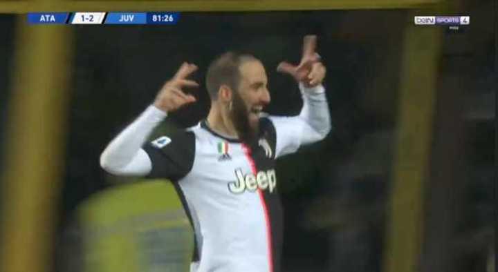 Con dos del Pipita y una de Dybala, ganó la Juve