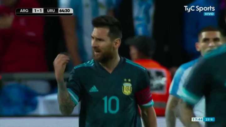 La calentura de Messi por una falta