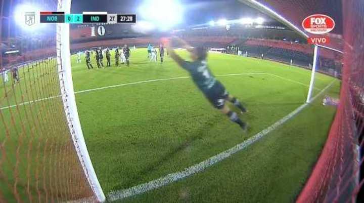 Buen tiro libre de Romero