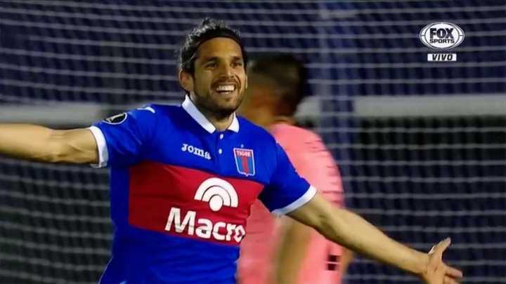 Tigre se puso en ventaja con gol de Magnín