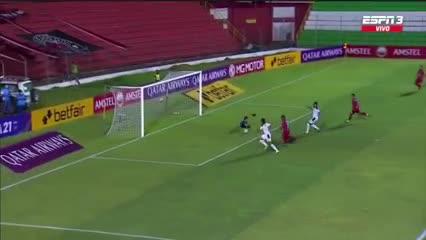 El tercero de Herrera para su hattrick
