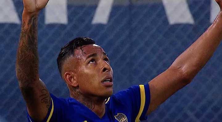 Villa marcó el segundo de Boca