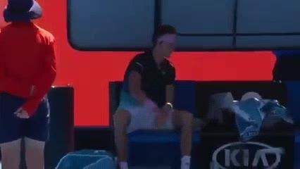 ¡Zverev destrozó la raqueta!