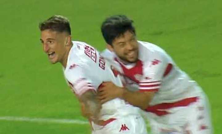 González marcó el 2 a 1 de Unión