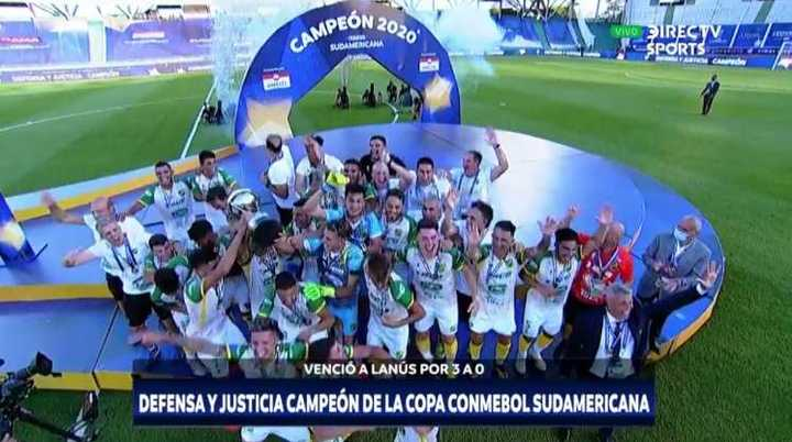 Defensa levantó la Copa Sudamericana