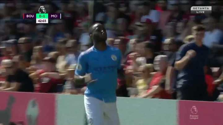 Sterling estiró la ventaja del Manchester City