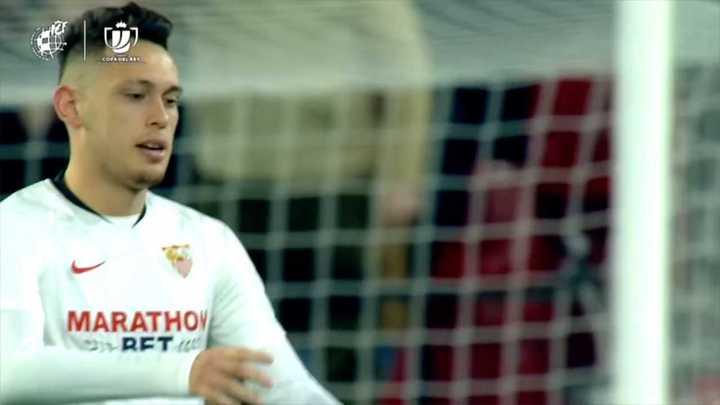 Gol y asistencia de Lucas Ocampo en la victoria del Sevilla