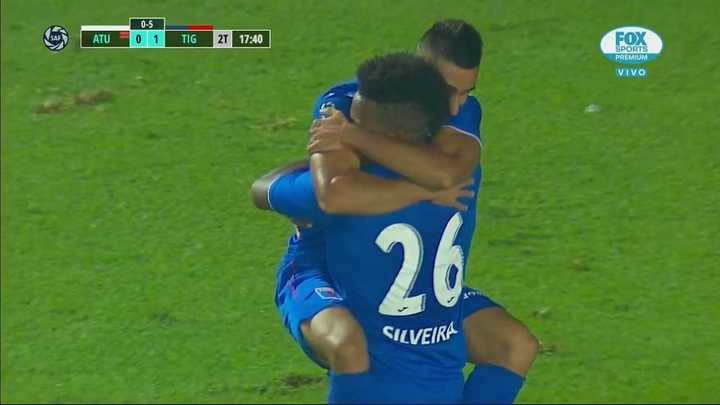Silveira marcó el primero de Tigre