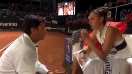 El polémico video de un entrenador retando a una tenista