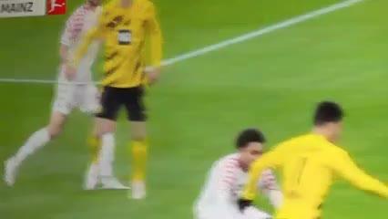 El gol anulado a Haaland ante Mainz