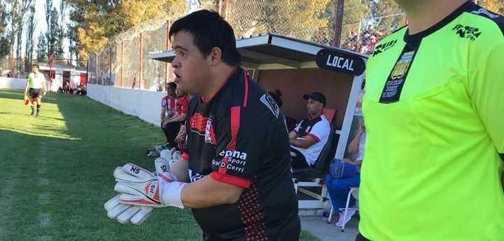 Pambianco, un joven con Síndrome de Down, debutó en un partido oficial