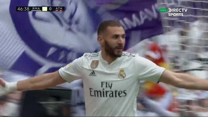 Benzema metió el primer gol del partido
