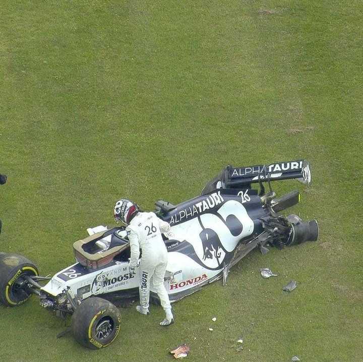 Tremendo golpe de Kvyat en Silverstone