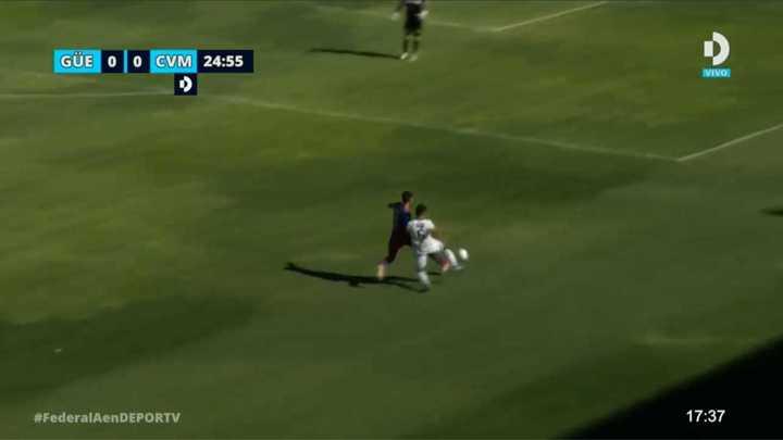 La increíble expulsión del jugador de Villa Mitre