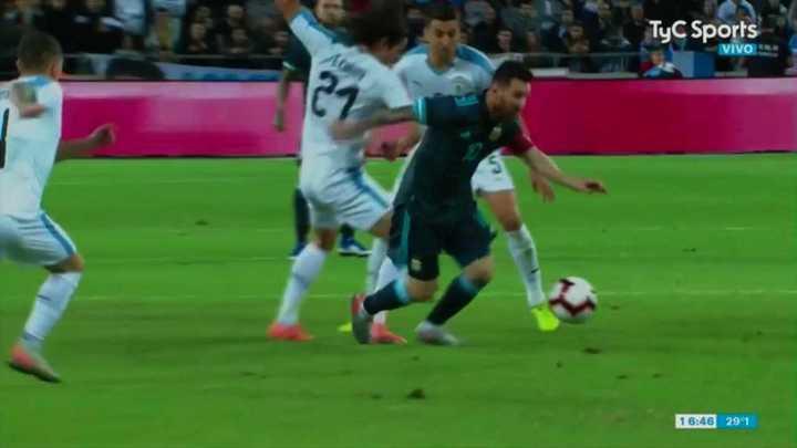 Lionel Messi fabricó un jugadón