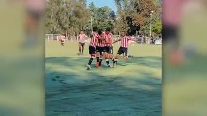 El gol de Romero para poner en ventaja al Pincha en el clásico platense.