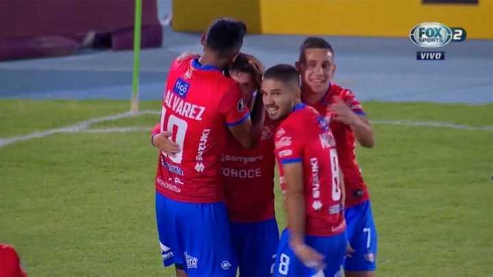 Doblete de Patito Rodríguez a Peñarol