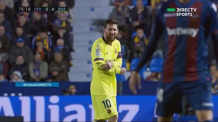 Alerta Messi y su codo