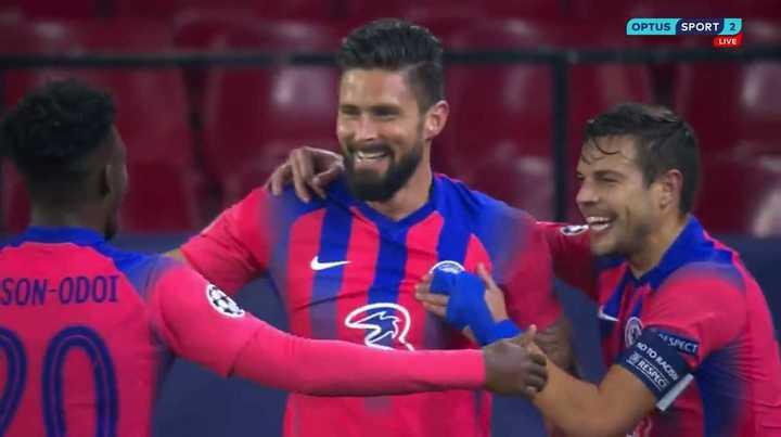 Los cuatro goles de Giroud ante Sevilla