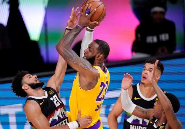 Las mejores cinco jugadas de la 4° final del Oeste entre Lakers y Nuggets en la NBA