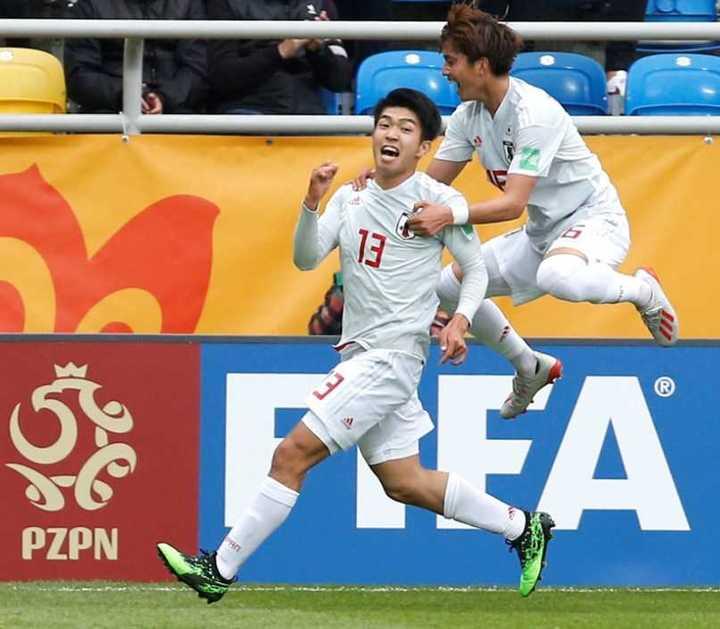 Gran definición de Taisei Miyashiro para el 1-0 de Japón ante México