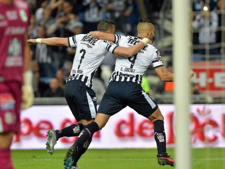 Con el debut de Maxi Meza, Rayados no pudo aguantar el 2-0 ante León