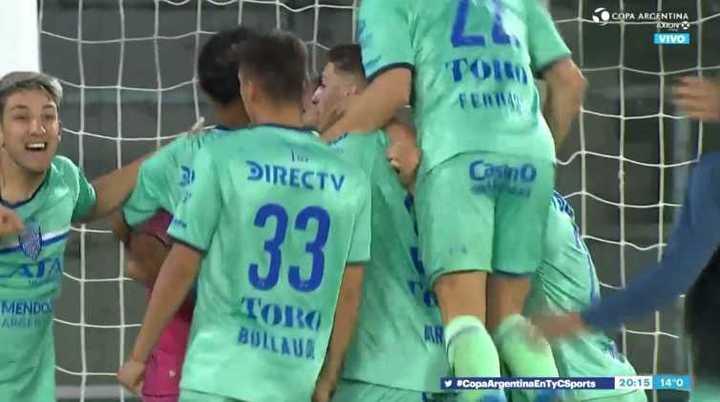 Godoy Cruz ganó 5 a 4 por penales
