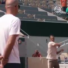 ¡Roger volvió a Roland Garros!