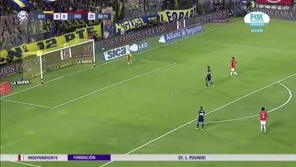 Pablo Pérez sorprendió y Marcos Díaz salvó a Boca con lo justo