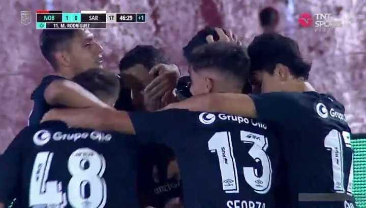 Maxi Rodríguez puso el 1-0
