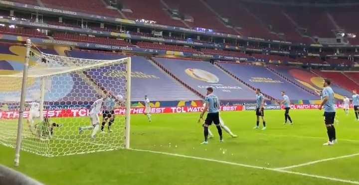 El gol detrás del arco