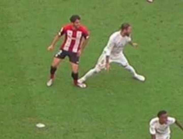 Era penal de Ramos sobre Raúl García