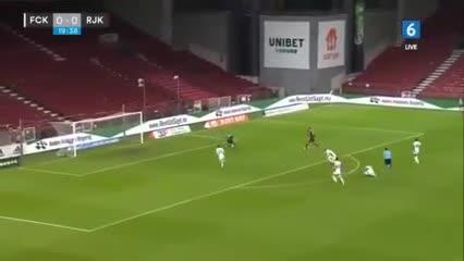 El blooper en el gol en contra del Copenhague