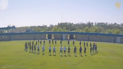 El minuto de silencio en la práctica de Boca