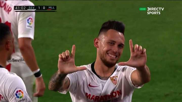 Lucas Ocampos marcó de penal el primero del Sevilla