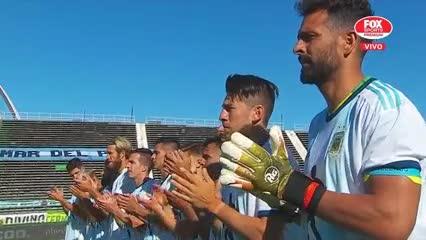 El homenaje a Maradona en Aldosivi - Argentinos