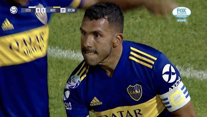 Tevez marcó el 3 a 0