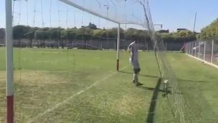 El tercer gol de la Reserva de Huracán