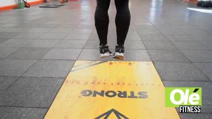 Un wod Strong con enfoque por tiempo de 10 a 1, que encadena diferentes ejercicios de forma intensa