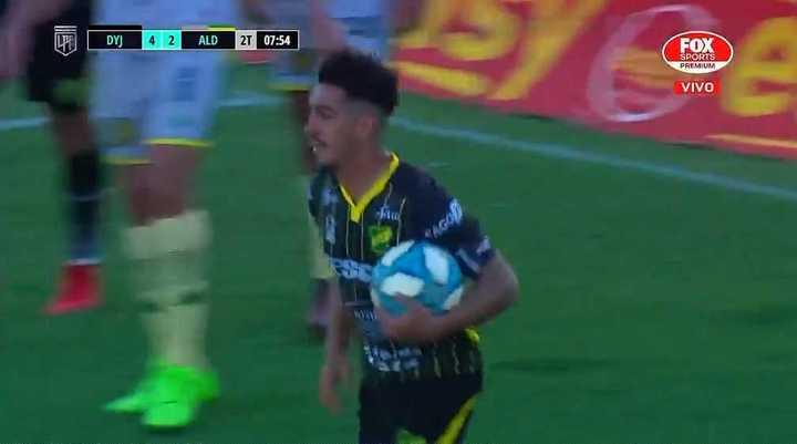 Defensa metió el cuarto gol ante Aldosivi