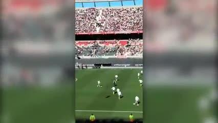 La cargada de los hinchas de River a los jugadores de Boca