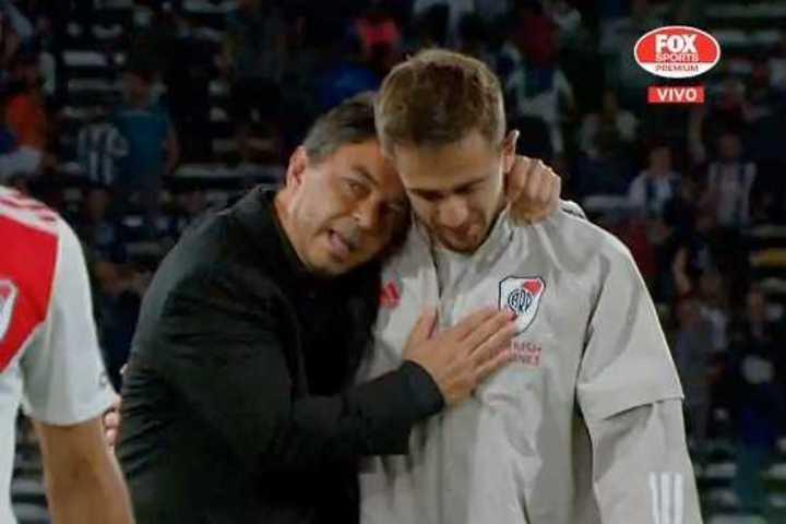 El abrazo de Gallardo a Peña