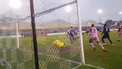 Cómo salvar mil pelotas de gol sobre la línea